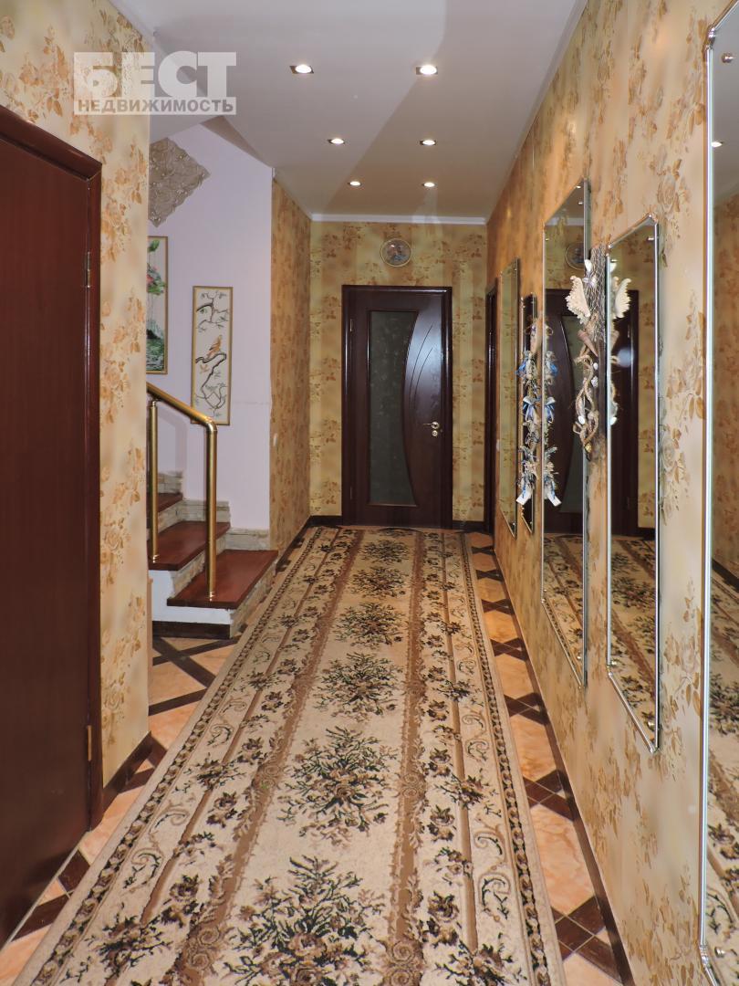 Таунхаус в аренду по адресу Россия, Московская область, Москва, Воротынская улица, 9