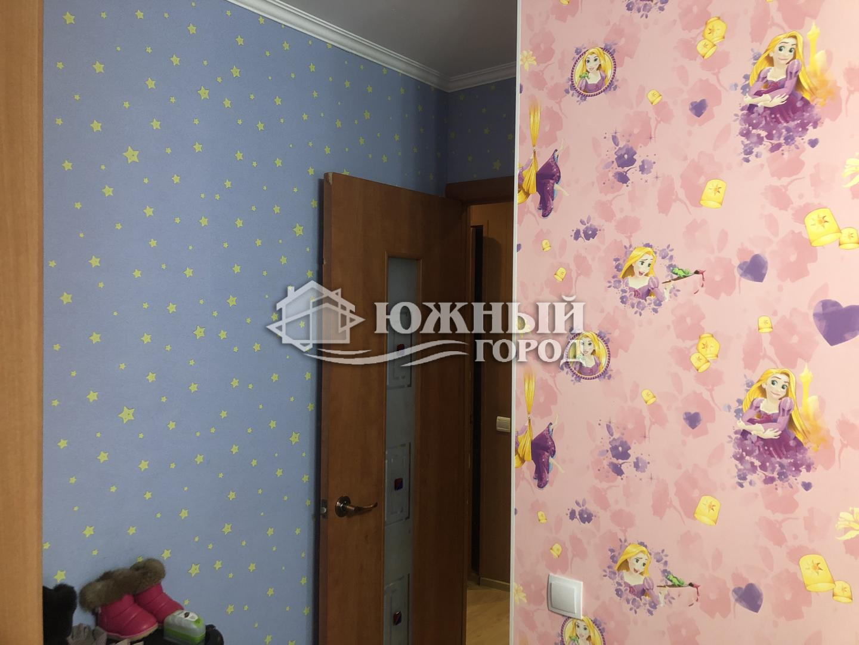 Квартира на продажу по адресу Россия, Краснодарский край, муниципальное образование Город Геленджик, Кабардинка, Геленджикская улица, 15