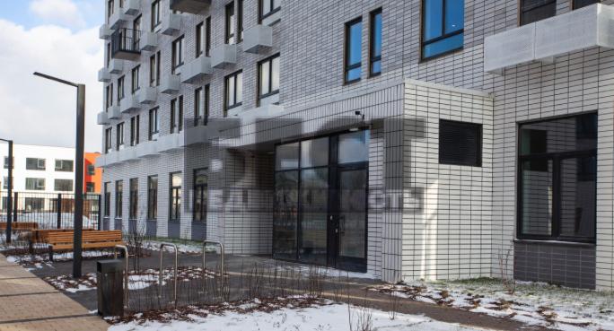 Продам 2-комн. квартиру по адресу Россия, Москва и Московская область, Москва, Боровское шоссе, 2к3 фото 2 по выгодной цене