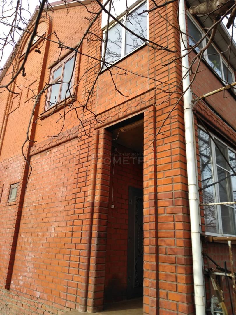 Продам дом по адресу Россия, Краснодарский край, городской округ Краснодар, Краснодар, Троицкая улица фото 2 по выгодной цене