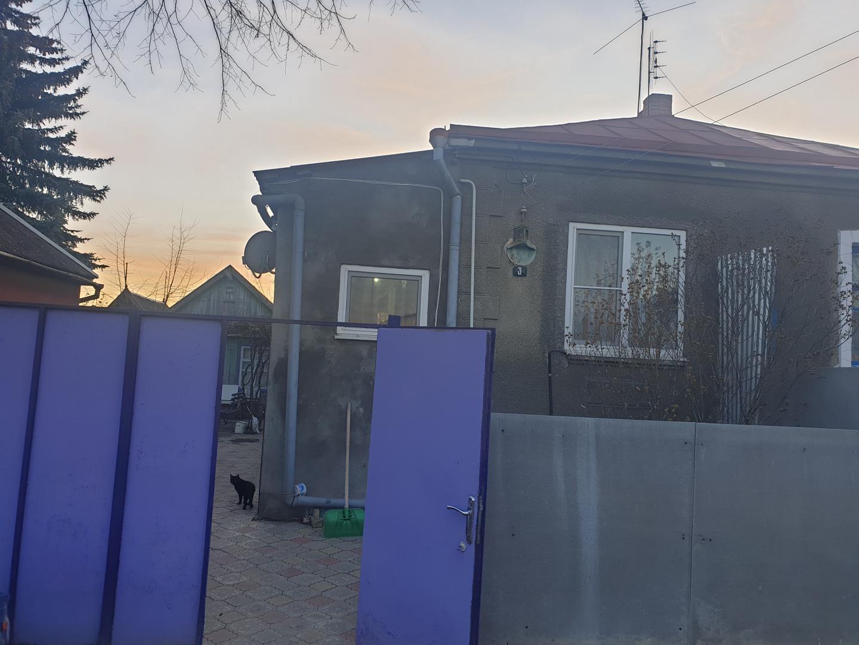 Часть Дома на продажу по адресу Россия, Ставропольский край, городской округ Ессентуки, Ессентуки, Сенная улица, 3
