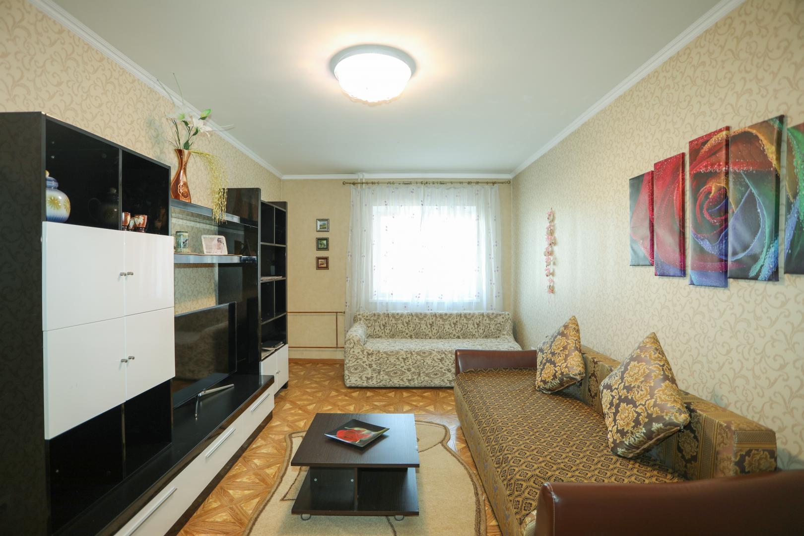 Квартира в аренду по адресу Россия, Иркутская область, городской округ Иркутск, Иркутск, улица Дыбовского, 4