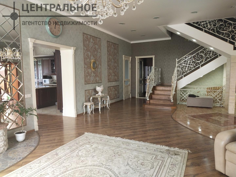 Продается дом 450 кв.м., участок 8 сот.